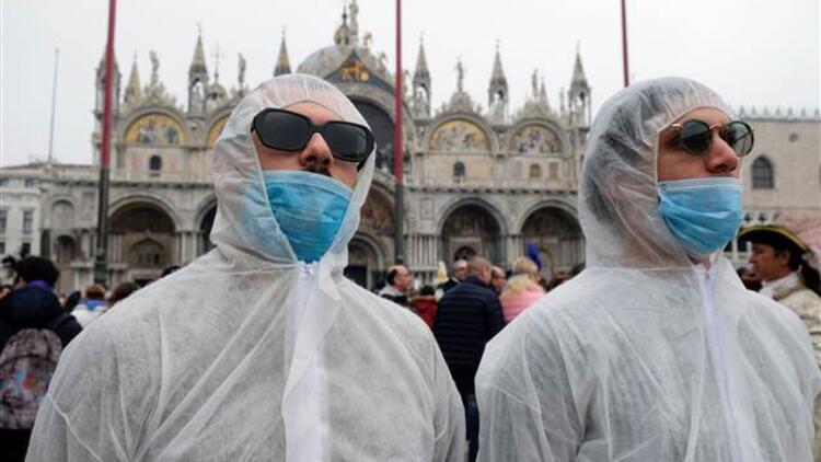 İtalya'da 1 günde 919 kişi öldü