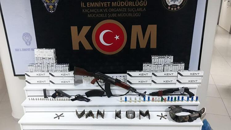 Van'da iki evde silah ele geçirildi