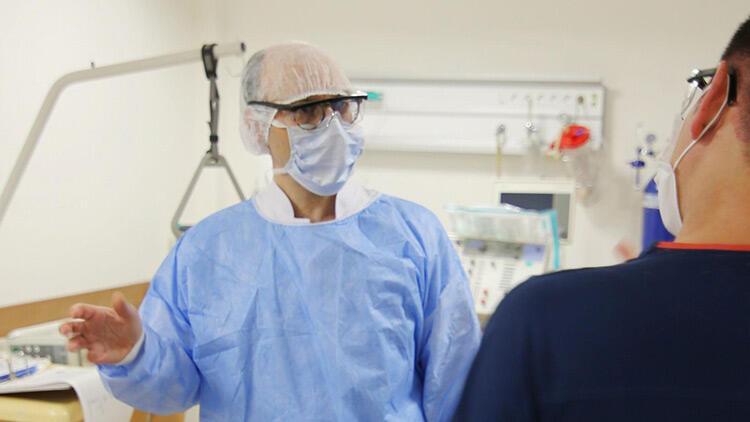 İstanbul Üniversitesi-Cerrahpaşa Rektörü Prof. Dr. Nuri Aydın yoğun bakım ünitesini ziyaret etti