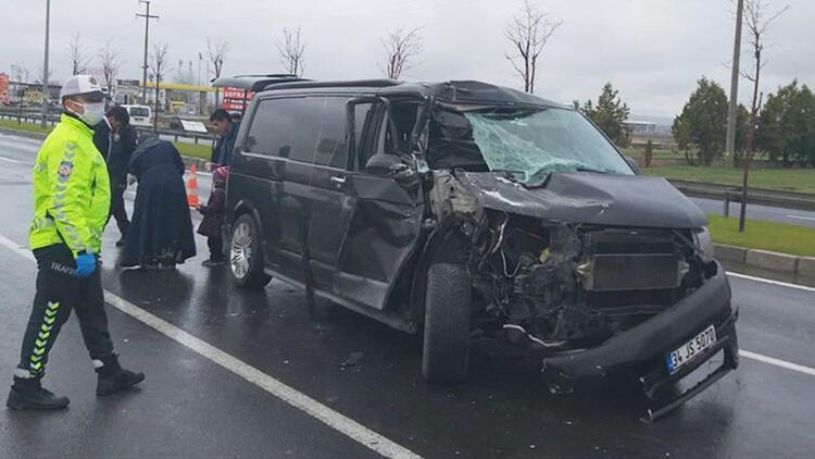 Aksaray'da minibüs ile tır çarpıştı: 6 yaralı