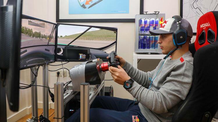 Ayhancan Güven; Verstappen, Norris ve Montoya ile yarıştı