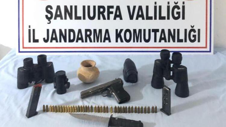 Şanlıurfa'da tarihi eser ve silah ele geçirildi
