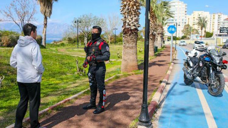 Antalya'da yürüyüş yollarına izin yok