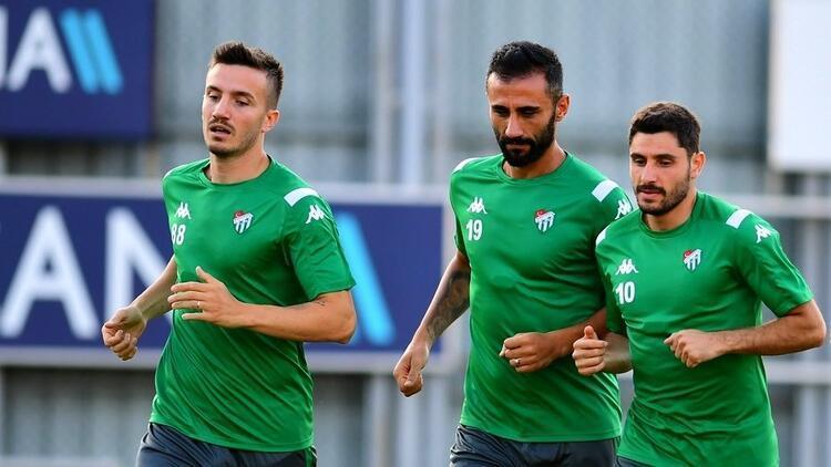 Bursaspor'da 7 oyuncunun geleceği belirsiz! Corona virüs sonrası...