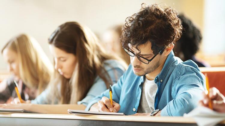 İsteyen üniversiteli kaydını dondurabilecek