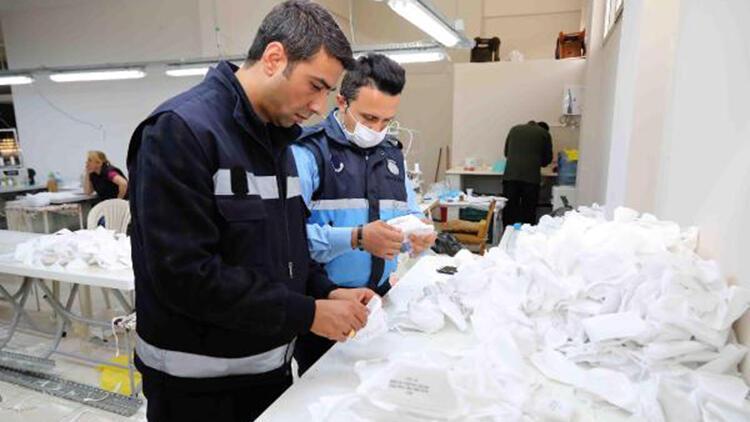 İzmir'de izinsiz maske üretilen iş yerine baskın