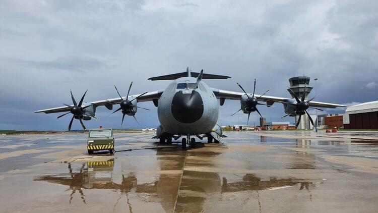 Son dakika haberi: MSB duyurdu: TSK'ya ait yardım malzemesi taşıyan uçak İtalya'ya indi