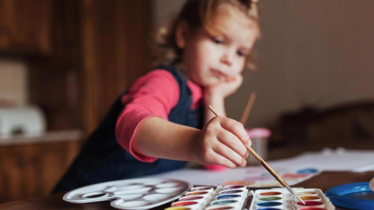 Otizmli çocuğunuza hayatta tutunabileceği yollar açın