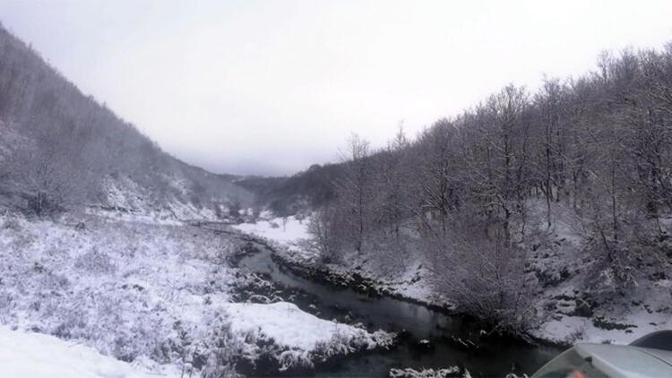 Tekirdağ'ın yüksek kesimlerine kar yağdı