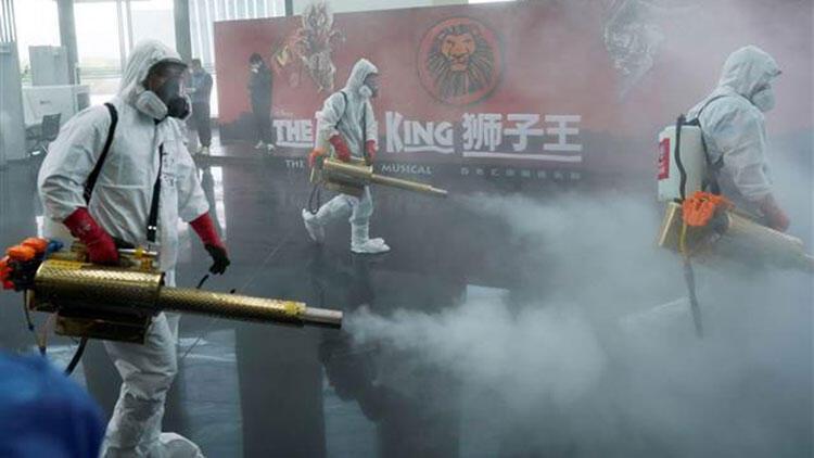Salgının başladığı Vuhan'da dezenfekte seferberliği