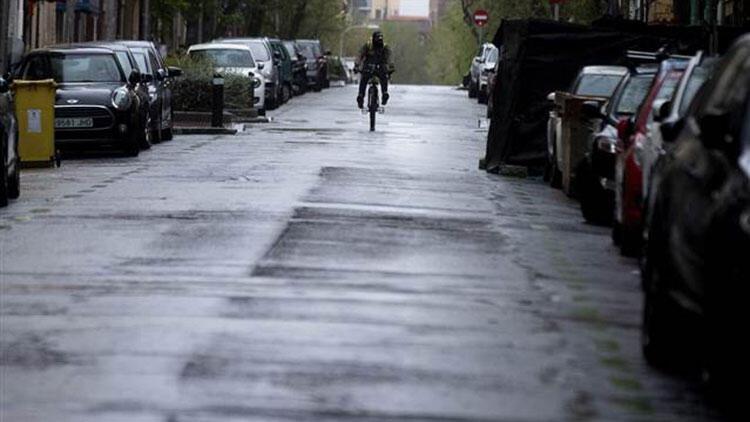 İspanya, Kovid-19'la mücadele için OHAL'i 26 Nisan'a kadar uzattı