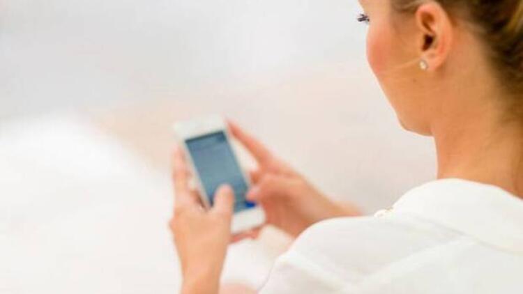 Akıllı telefonların cildinize nasıl zararı olabilir?
