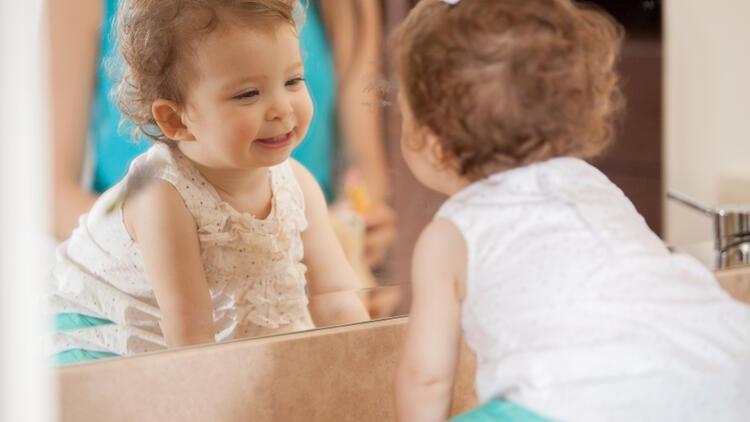 Çocukların aynayla imtihanı