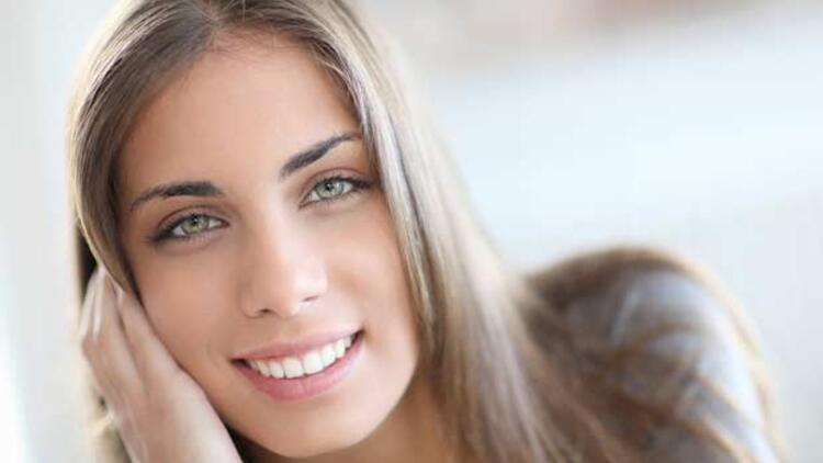 Sağlıklı ve beyaz dişler için 15 doğal besin