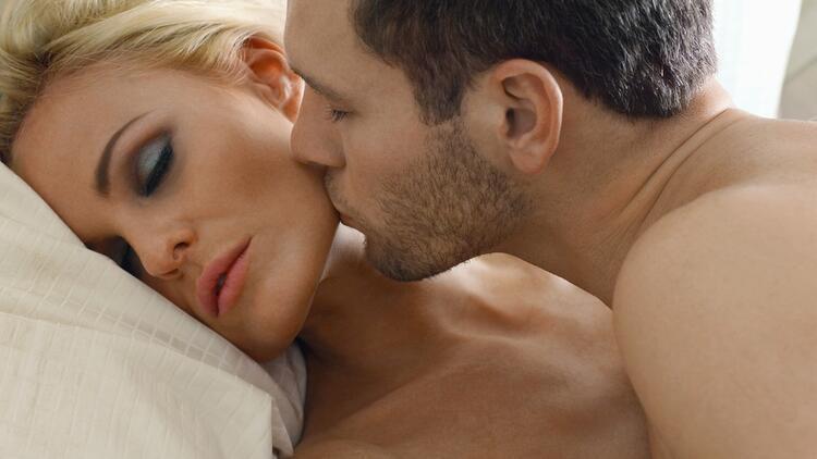 Orgazm, aldatma ve aldatılma ihtimalini düşürüyor