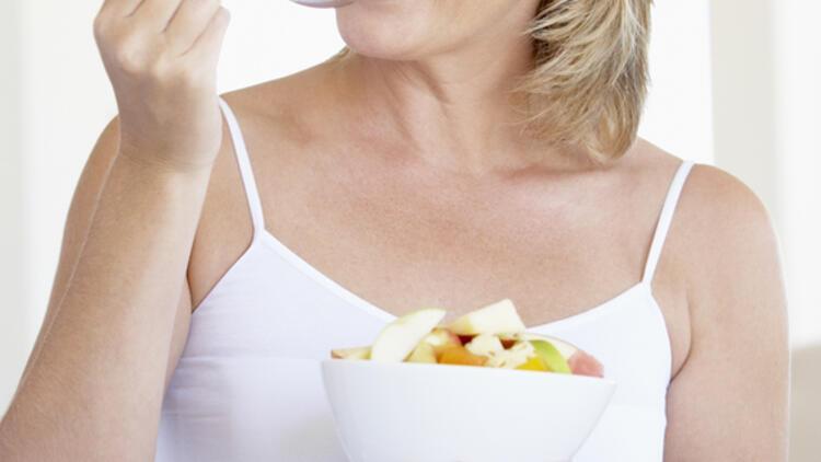 Menopoza girmeden kilo kaybı şart!