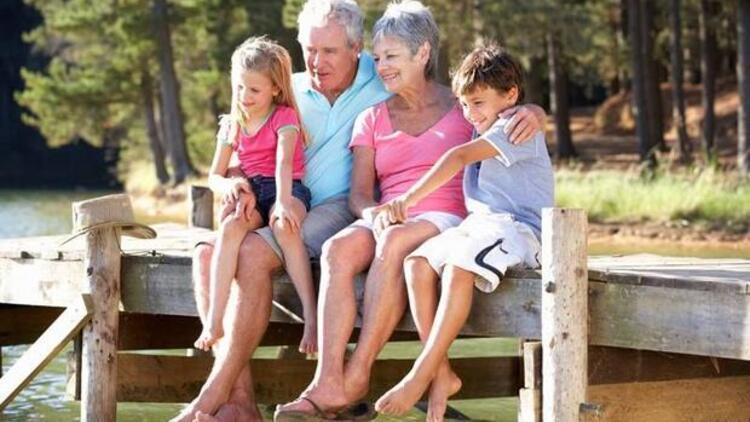Çocuklar büyükanneye emanet
