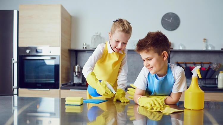 Ev işleri çocuklara parayla mı yaptırılmalı?