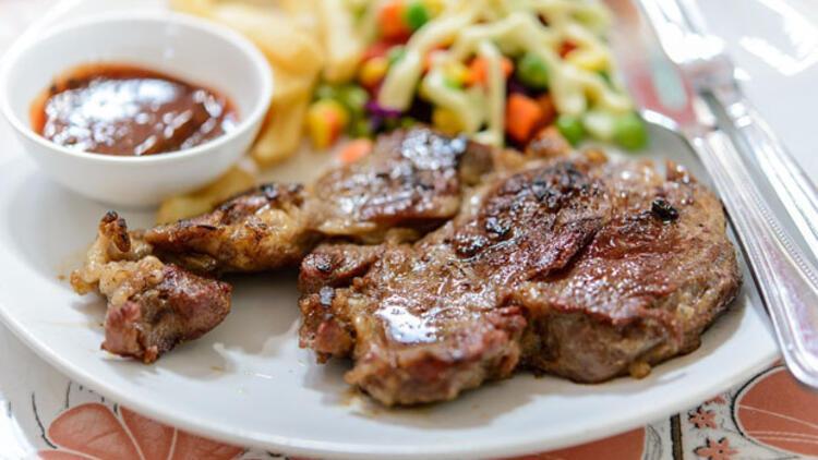 Çok et yemek sağlıklı mı,  ne kadar et yemeliyiz?
