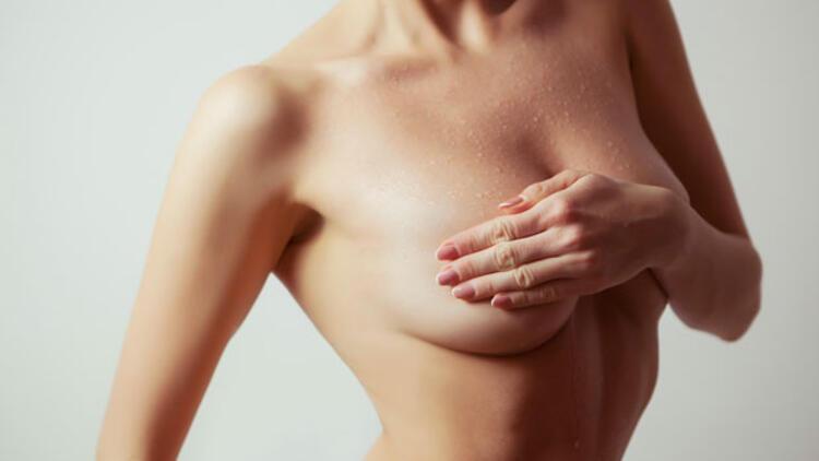 Dolgun, doğal ve kıvrımlı göğüsler
