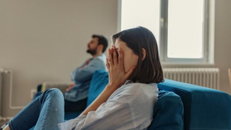 İlişkilerinizde Sorun Yaşamamak İçin Eleştirilerden Uzak Durun
