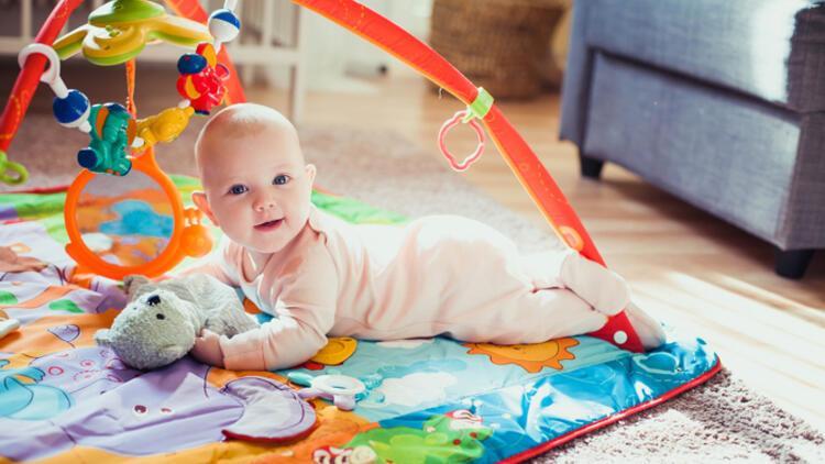 Hepsi birbirinden renkli! Bebekler için en güzel oyun halıları