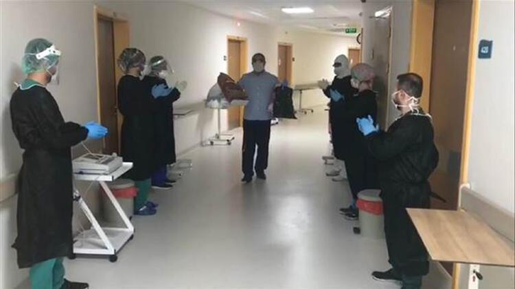 Mardin'de korona virüs tedavisi gören 93 ve 63 yaşlarındaki iki hasta taburcu oldu