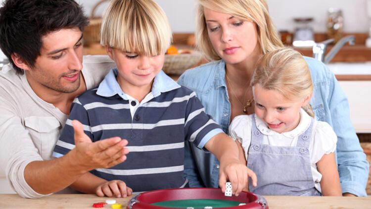 Çocuklar için zorunlu ev hayatının 5 eğlenceli oyunu