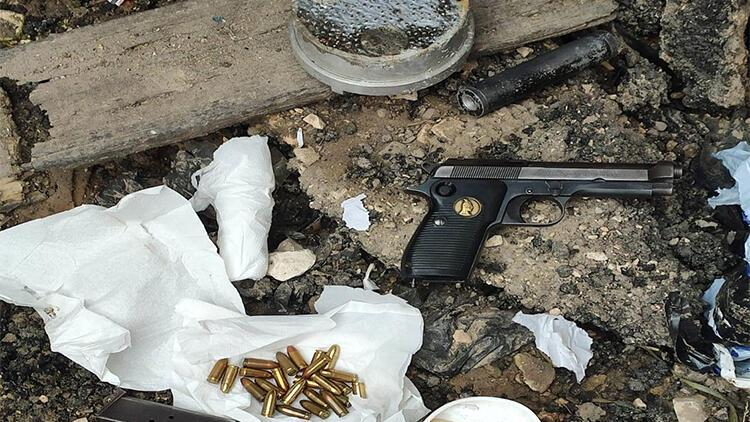 Menfezde valiz içerisinde silah ve mühimmat ele geçirildi