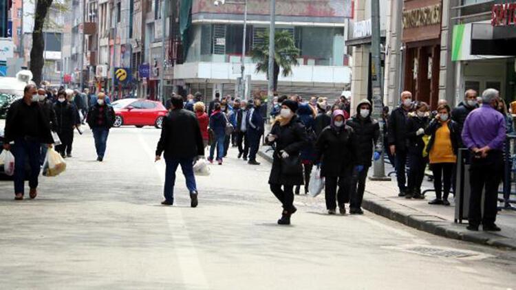 Zonguldak'ta 4 günlük kısıtlama öncesi caddeler hareketlendi