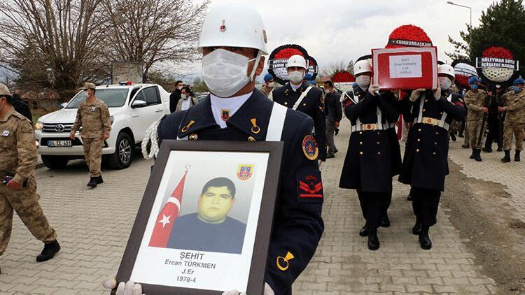 Vurulduktan 21 yıl sonra hayatını kaybeden er, şehit sayıldı
