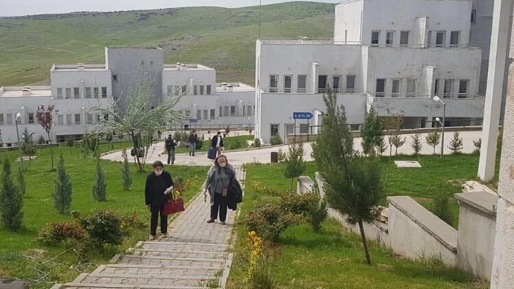 Mardin'de karantina süresi dolan 201 kişi memleketlerine gönderildi