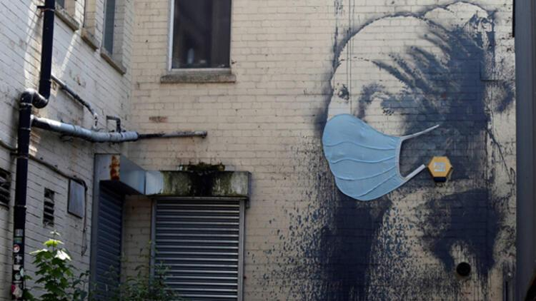 Hollandalı Mona Lisa'ya cerrahi maske