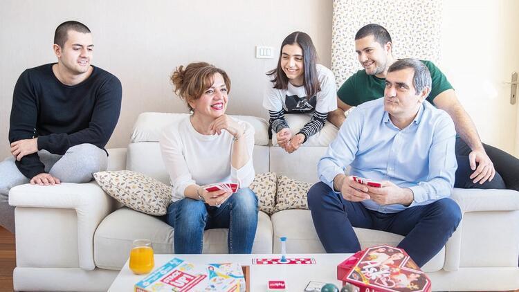 CHP İstanbul Milletvekili Ali Şeker'in evine konuk olduk... Eşi anlattı: Ali evlilik teklif etmedi