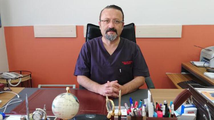 Koronavirüsü yenen Prof. Dr. Çobanoğlu, görevine başladı