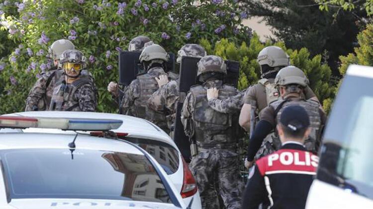 Ankara'da 2 çocuğunu silahla rehin alan baba tutuklandı