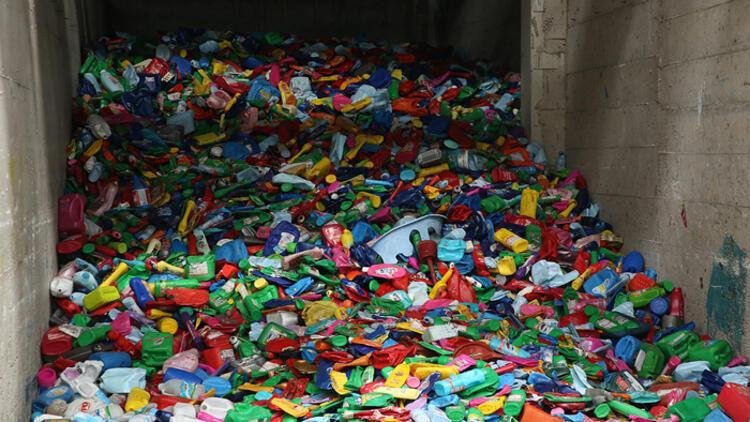 """Kovid-19'dan etkilenen Avrupa ülkeleri plastiği """"hayati sektör"""" olarak tanımladı"""