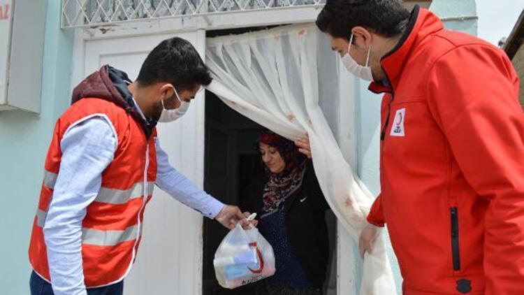 Kızılaydan Elazığdaki 60 bin aileye iftar yemeği