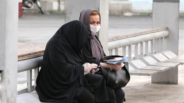 İranda son 24 saatte Corona Virüsten 71 ölüm