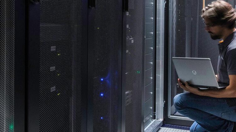 Kritik öneme sahip sektörlerde bilişim altyapısı öncelik haline geldi