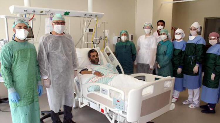 Koronavirüsü yenen doktor, plazma bağışıyla hastasını da kurtardı