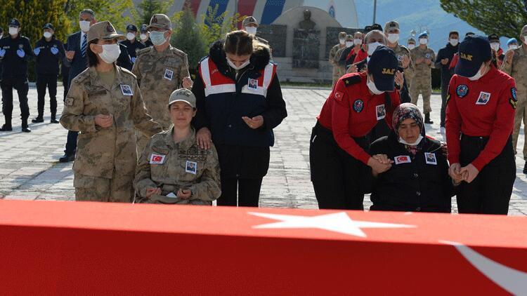 Munzur Çayı'nda akıntıya kapılarak şehit olan Uzman Çavuş Güneş için tören düzenlendi