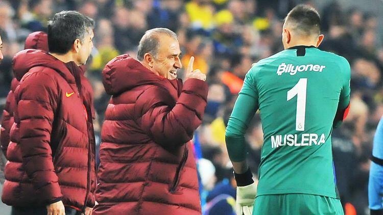Muslera Galatasaray'a Facundo Pellistri'yi önerdi!