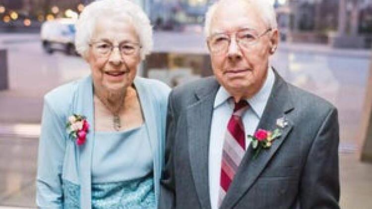 ABD'de Corona Virüs 73 yıllık evli çifti 6 saat arayla ayırdı