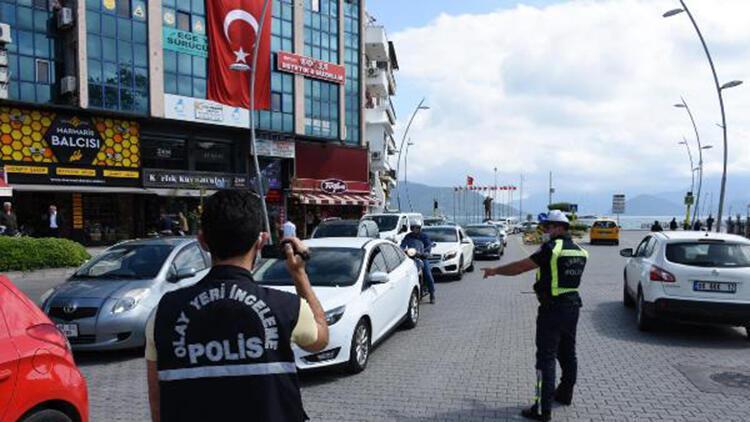 Polisin 'maske' denetiminde, 1 saatte 23 sürücüye ceza