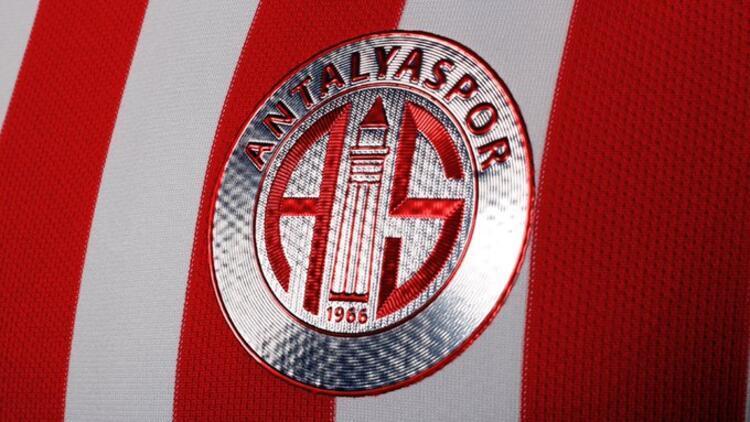 Antalyaspor 1.5 ay sonra sahaya iniyor