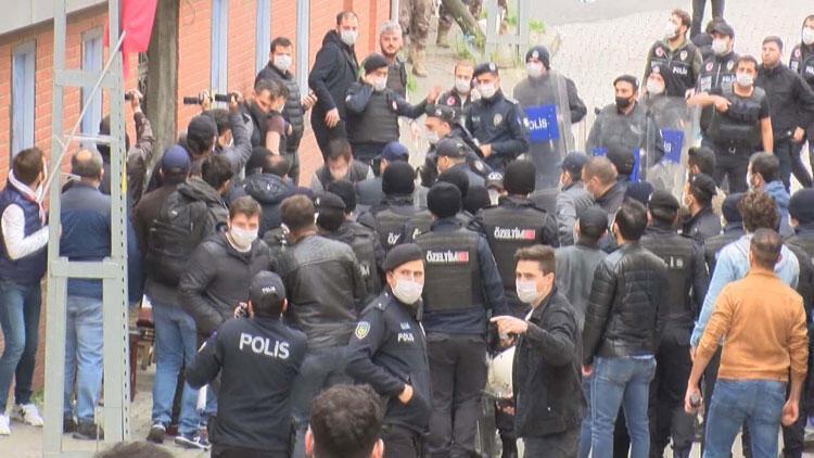 Grup Yorum üyesi İbrahim Gökçek'in cenazesinde gerginlik