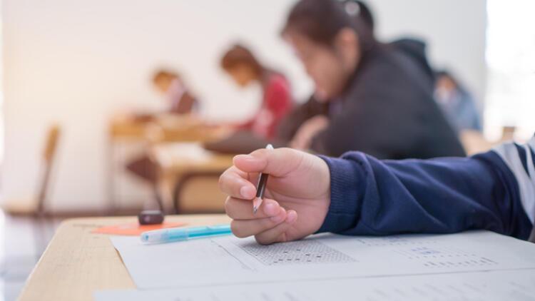 Covid -19 günlerinde sınava hazırlanan gençler