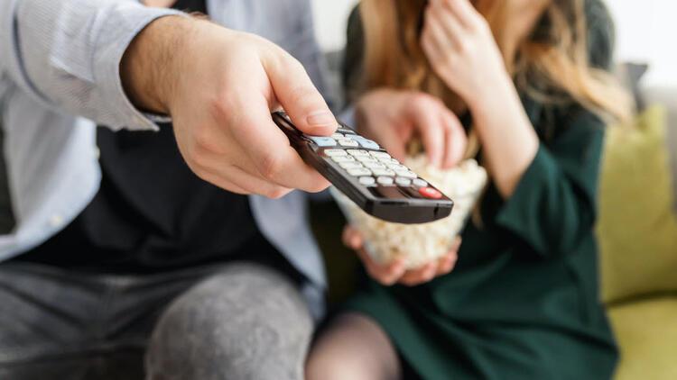 Koronavirüs sonrası TV izlenmelerinde artış yaşanıyor