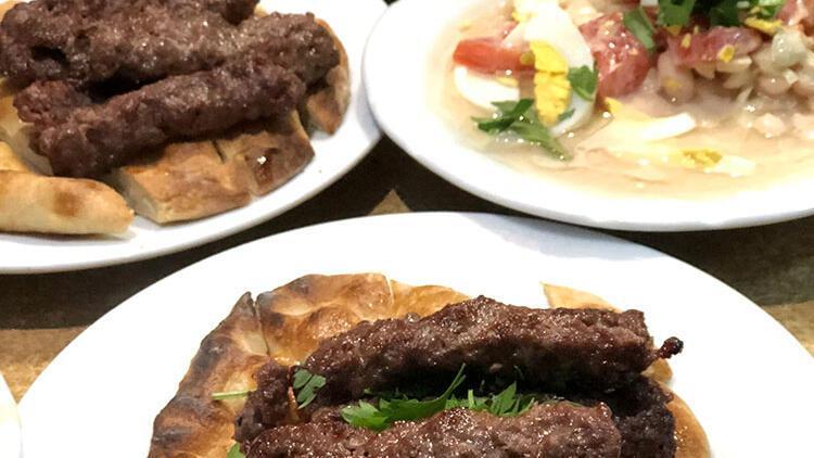 Sadece Antalya'da yiyebileceğiniz lezzetler: Şiş köfte ve tahinli piyaz